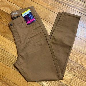 NWT - Brown Khaki Skinny Jeggings - L/11-13